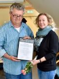 Håkan Bull uddeler Winsor & Newton Prisen 2017 til Annette Bryne